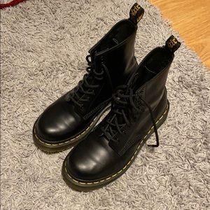Doc marten boot size 6